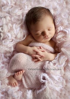 beautiful posing, under 10 days old is a must
