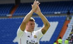 Toni Kroos as a Real Madrid player Real Madrid Players, Toni Kroos, World Cup 2014, Soccer, Running, Sports, Games, Bonito, White People