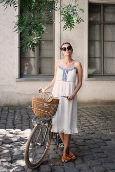 """There's nothing that screams """"France"""" more than a straw basket and some white and blue embroidery, right? And those +30° temperatures maybe… At some points this week I reall…"""
