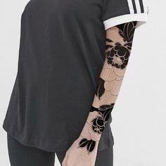 Search inspiration for an Ornamental tattoo. Weird Tattoos, Line Tattoos, Unique Tattoos, Beautiful Tattoos, Flower Tattoos, Black Tattoos, Body Art Tattoos, Buddha Tattoos, Tattoo Ink