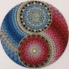 #yantramandalas #mandalas #pontilhismo #dotilism #mandalaartesanal #artesmanuais #kosmos #energi #cosmicart #spiritualart #zenart…