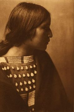 "Photographs: Edward S. Curtis 'The North American Indian' List of Large Plates Supplementing Volume V. ""The effects of colonisation are ever present and continuing."" Photo: Edward S. Curtis 'Arikara girl' c. 1908 Photogravure on vellum Native American Beauty, Native American Photos, Native American Tribes, Native American History, Edward Curtis, We Are The World, Sioux, Native Indian, Indian Art"