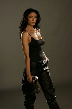 Claudia Black-Chloe Frazer In Uncharted 2 - COSPLAY IS BAEEE! Tap the pin now to grab yourself some BAE Cosplay leggings and shirts! From super hero fitness leggings, super hero fitness shirts, and so much more that wil make you say YASSS! Claudia Black, Katee Sackhoff, Black Picture, Black Tv, Porno, Battlestar Galactica, Divas, Tanks, Leather Pants