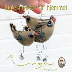 små fuglesmykker til hjemmet, heng dem i vinduet, på altanen, i hagen, i bilen ja du kan henge dem hvor som helst :)
