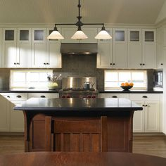 Love the cabinet doors!  Shaker Baseboards Design, Pictures, Remodel, Decor and Ideas - page 2