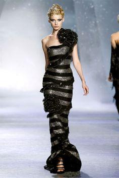 Sfilata Zuhair Murad Paris - Alta Moda Autunno Inverno 2009/2010 - Vogue