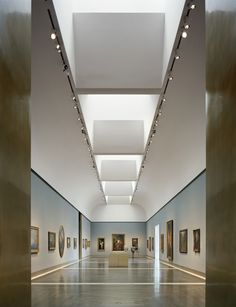 During Henkes childhood he went to the local art museum - the Charles A. Wustum Museum of Fine Arts. These visits inspired him.
