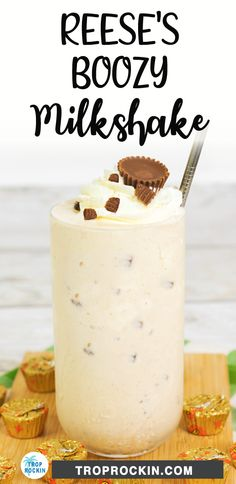 Delicious Boozy Milkshake! This chocolate peanut butter adult milkshake is the best after dinner drink dessert cocktail. Made with chocolate liqueur and whiskey along with lots of yummy Reese's peanut butter flavors. Cheers to boozy milkshakes! Alcoholic Milkshake, Milkshake Recipes, Milkshakes, Peanut Butter Milkshake, Reeses Peanut Butter, Chocolate Liqueur, Chocolate Milkshake, Cocktail Desserts, Alcoholic Desserts