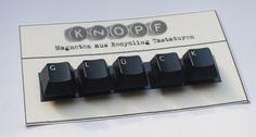 Buchstabe Magneten aus Recycling Tastaturen GLÜCK von Puntitos de Colores auf DaWanda.com