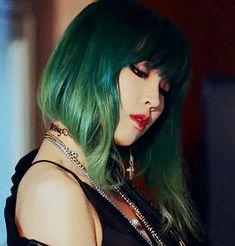 gif, kpop, and image Got7, Kpop Hair Color, Crazy Hair, Girl Group, Hair Makeup, Hair Cuts, Hair Beauty, Long Hair Styles, Disney Princess