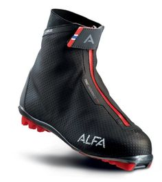 Alfa Footwear: TRAC ADVANCE - A warm and lightweight ski boot for the active skier.