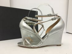 853b86c5568f Badgley Mischka Melaney II Silver Metallic Women s Evening Wedge Heel  Sandal 6 M Shoes Heels