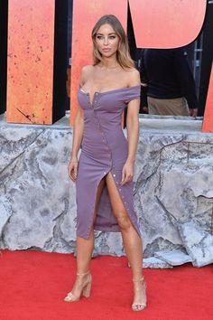 Street style e celebs comprovam: lavanda é a cor do verão Rosa Millennial, One Shoulder, Shoulder Dress, Ideias Fashion, Purple, Sexy, Dresses, Lavender Colour, Summer Colors