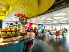 Nowe, niesamowite biuro Google w Dublinie - Restauracja na piętrze piątym w Google Docks, fot. P. Wurmli
