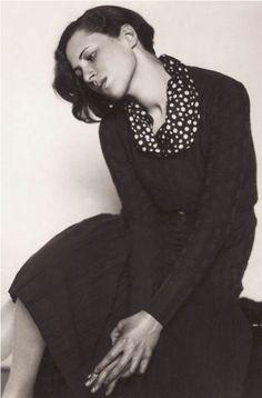 Trude Fleischmann - Portrait, 1930 - vintage bnw spots scarf + long sleeve black midi dress | fall autumn style