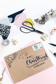 DIY: Letter envelopes for the Christmas mail with hand lettering design (my fairy dust) Christmas Mail, Diy Christmas Cards, Xmas Cards, Diy Cards, Christmas Letters, Christmas Design, Christmas Ideas, Diy Envelope, Envelope Design
