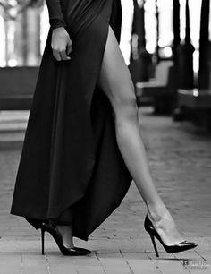 "gwens-dreams: "" "" Beautiful and sexy legs "" "" Pernas Sexy, Women Legs, Nice Legs, Black N White, Mode Outfits, Beautiful Legs, Black And White Photography, Sexy Legs, Ideias Fashion"