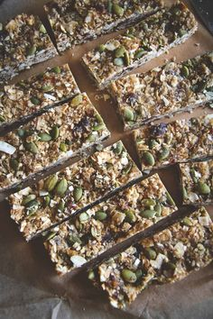 Almond butter granola bars, naturally sweetened gluten free vegan granola bars, amazingly delicious homemade granola bars you're going to love and make over and over again, healthy homemade granola bars. My favorite homemade granola bars that actually taste good!