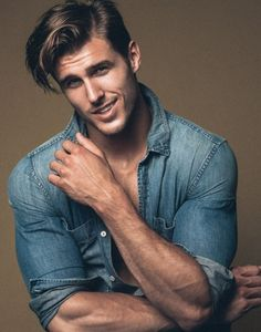 5 Best Hairstyles For Muscular Guys Men Photoshoot, Photography Poses For Men, Handsome Faces, Most Handsome Men, Hommes Sexy, Muscular Men, Male Face, Attractive Men, Good Looking Men