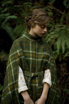 Thinking of Tartan Vintage Stil, Look Vintage, Mori Girl, Mode Style, Style Me, Look Fashion, Autumn Fashion, Gothic Fashion, Style Anglais