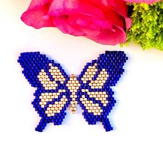 Peyote Patterns, Beading Patterns, Stitch Patterns, Butterfly Pattern, Butterfly Art, Beaded Crafts, Native American Beading, Pearler Beads, Bead Weaving