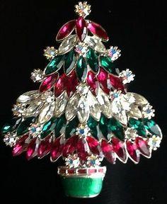 STUNNING GLITZY RHINESTONE CHRISTMAS TREE PIN EISENBERG ICE