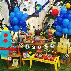Festa super bacana com tema Foguete, adorei! Decoração colorida e charmosa por @ap_kidsparty  #kikidsparty