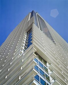 Image 7 of 16 from gallery of Harumi Residential Tower / Richard Meier & Partners Architects. Photograph by Ishiguro Photographic Institute Tower Building, High Rise Building, Building Facade, Building Design, Building Art, Richard Meier, Richard Neutra, Facade Architecture, Residential Architecture
