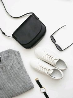 minimal monochrome wardrobe essentials in this flat lay curated by capsule wardrobe minimal chic minimalist style minimalist fashion minimalist wardrobe back to ba. Minimal Fashion, New Fashion, Trendy Fashion, Monochrome Fashion, Minimal Outfit, Fashion Outfits, Flat Lay Fashion, Style Fashion, Fashion Flatlay