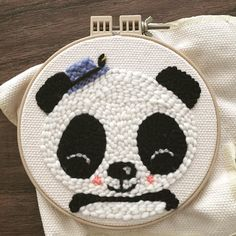 "Lana Land on Instagram: ""Un panda con sombreo⠀ .⠀ .⠀ .⠀ .⠀ .⠀ .⠀ A panda with a hat⠀ ⠀ ⠀ #punchneedle #punchneedling #punchneedleart #punchneedleembroidery…"" Cute Embroidery, Hand Embroidery Stitches, Hand Embroidery Designs, Knitting Stitches, Arte Punch, Clay Crafts For Kids, Diy Crafts, Punch Needle Patterns, Diy Bebe"
