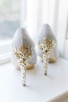 Gray Harriet Wilde pumps with gold leaf embellishment: Photography: Aaron And Jillian Photography - aaronandjillian.com Read More on SMP: http://www.stylemepretty.com/2016/06/23//