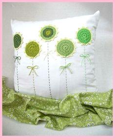 mrs and mrs pillows Crochet Cushion Cover, Crochet Cushions, Sewing Pillows, Crochet Pillow, Crochet Motif, Crochet Flowers, Cushion Covers, Pillow Covers, Cute Pillows