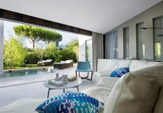 Hotel Sezz is a five star luxury boutique hotel with a true contemporary feel just a few kilometres from Pampelonne Beach and St Tropez centre. Go now.