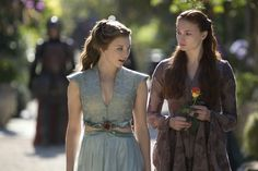 Sophie Turner as Sansa Stark and Natalie Dormer as Margaery Tyrell Sansa And Margaery, Margaery Tyrell, Costumes Game Of Thrones, Hbo Game Of Thrones, Natalie Dormer, Michelle Fairley, Hbo Tv Series, Gorgeous Redhead, Sansa Stark