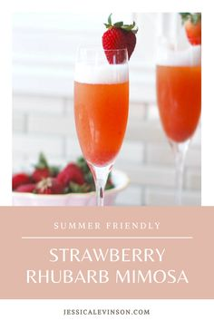 Get the recipe for this strawberry rhubarb mimosa that screams summer! | #strawberryrhubarb #mimosas #summercocktails Drinks Alcohol Recipes, Alcoholic Beverages, Light Soups, Healthy Brunch, Brunch Dishes, Fruit In Season, Mimosas, Recipe For Mom, Summer Cocktails