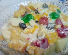Welcome to Mely's  kitchen...the place of glorious and healthy  foods: Tutti Frutti Salad
