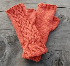 PDF knitting pattern for cable knit fingerless gloves by MaruWool