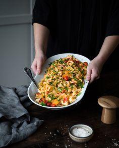 Att göra en riktigt god räkpasta eller soppa kräve... Baby Food Recipes, Food Baby, Sugar And Spice, Chili, Fried Rice, Nom Nom, Good Food, Spices, Food And Drink