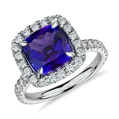 Tanzanite and Micropavé Diamond Ring in 18k White Gold (4.22ct)