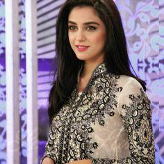 Maya Ali ~Pakistan Trajes Pakistani, Cute Celebrities, Celebs, Divorce For Women, Maya Ali, Muslim Women Fashion, Dating Girls, Pakistani Dress Design, Female Actresses