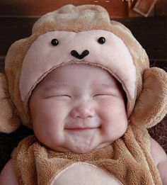 cute asian baby in costume. I love Asian babies. If I don't end up marrying an Asian, I'm gonna have to adopt an Asian baby! So Cute Baby, Baby Kind, Baby Love, Cute Kids, Dream Baby, Cute Asian Babies, Cute Babies, Babies Pics, Kid Pics