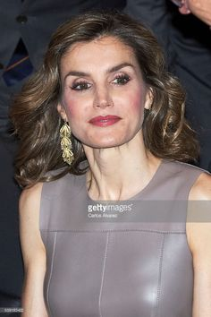 Doña Letizia also accessorized with the same gold cascading filigree earrings, which unfortunately still remain unidentified. Queen Letizia of Spain delivers 'La Caixa' Scholarships at la Caixa Forum on June 10, 2016 in Madrid, Spain.  (Photo by Carlos Alvarez/Getty Images)