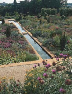 North Oxfordshire garden by Tom Stuart-Smith