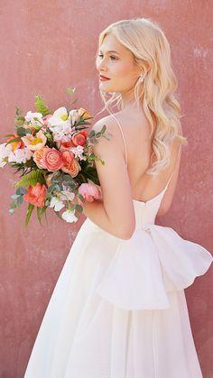 Sleek & modern 'Meghan' brides must see Jenny Yoo's new wedding dress collection - Wedding Garden New Wedding Dresses, Bridal Dresses, Garden Dress, Royal Brides, Gown Photos, Bridal Musings, Bridal Fashion Week, Bride Look, Bridal Style