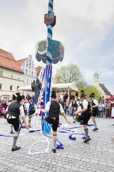 In Germany, May 1st is celebrated with a traditional May Pole raising and then dances around the pole.  We were mesmerized at this beautiful event.  Click through to see our video and more amazing photos! ~ReflectionsEnroute