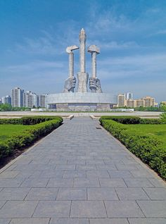 An Architecture Guide to Pyongyang