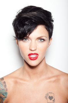 Short Hair @Ashley Walters Walters Walters Rockwell I think this is how you should get your hair done! :D super cute and so many ways to style it