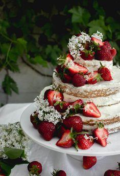 jordgubbstarta sommartarta graddtarta hogtarta tartfat