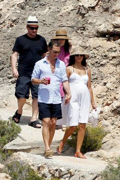 Matthew McConaughey and his pregnant wife Camila Alves enjoy a tropical vacation in Ibiza with rockstar Bono and his wife Ali Hewson Ali Hewson, Pregnant Wife, Wedding Crashers, Free Youtube, A Star Is Born, Matthew Mcconaughey, Celebs, Celebrities, Celebrity Photos