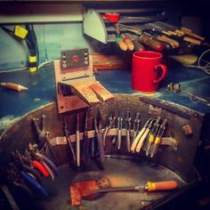 Having a good day at the Jewelry bench  #rooksandroses #coffee...